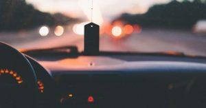 4 praktické doplnky do auta, ktoré by vám nemali chýbať